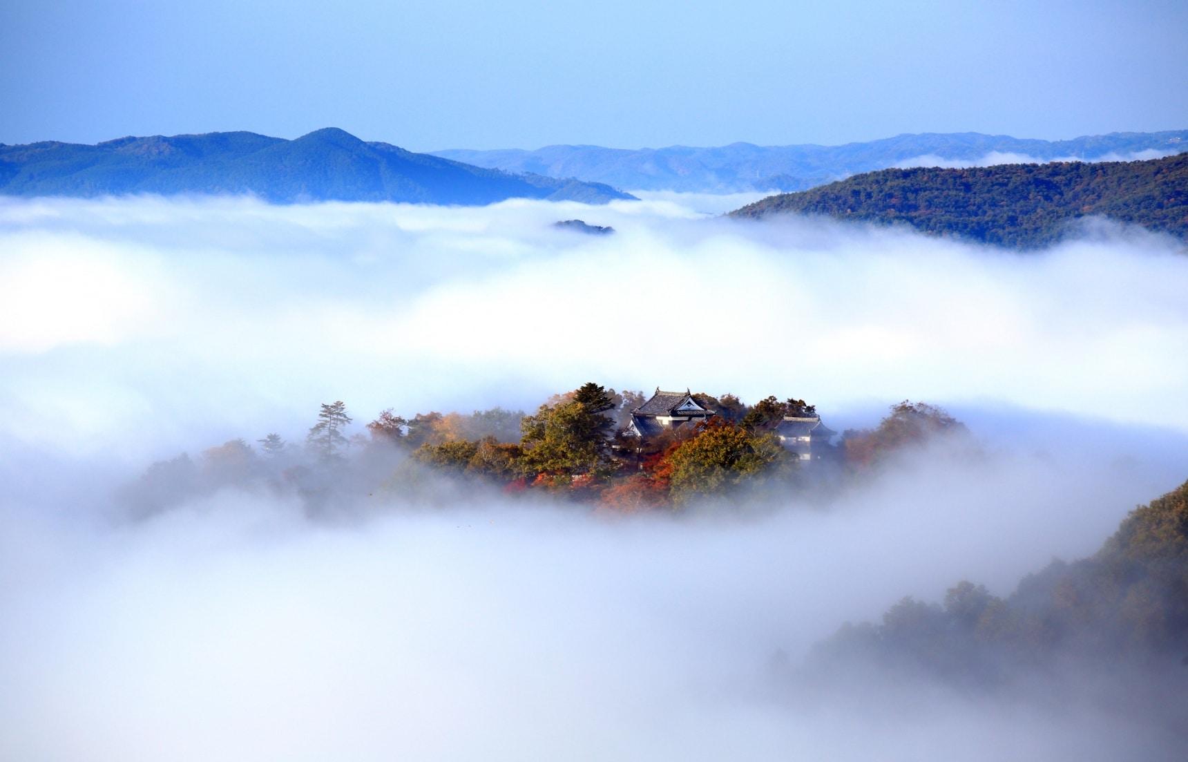 岡山的「高梁」非彼「高粱」!與天空之城比鄰的世外桃源・備中松山城