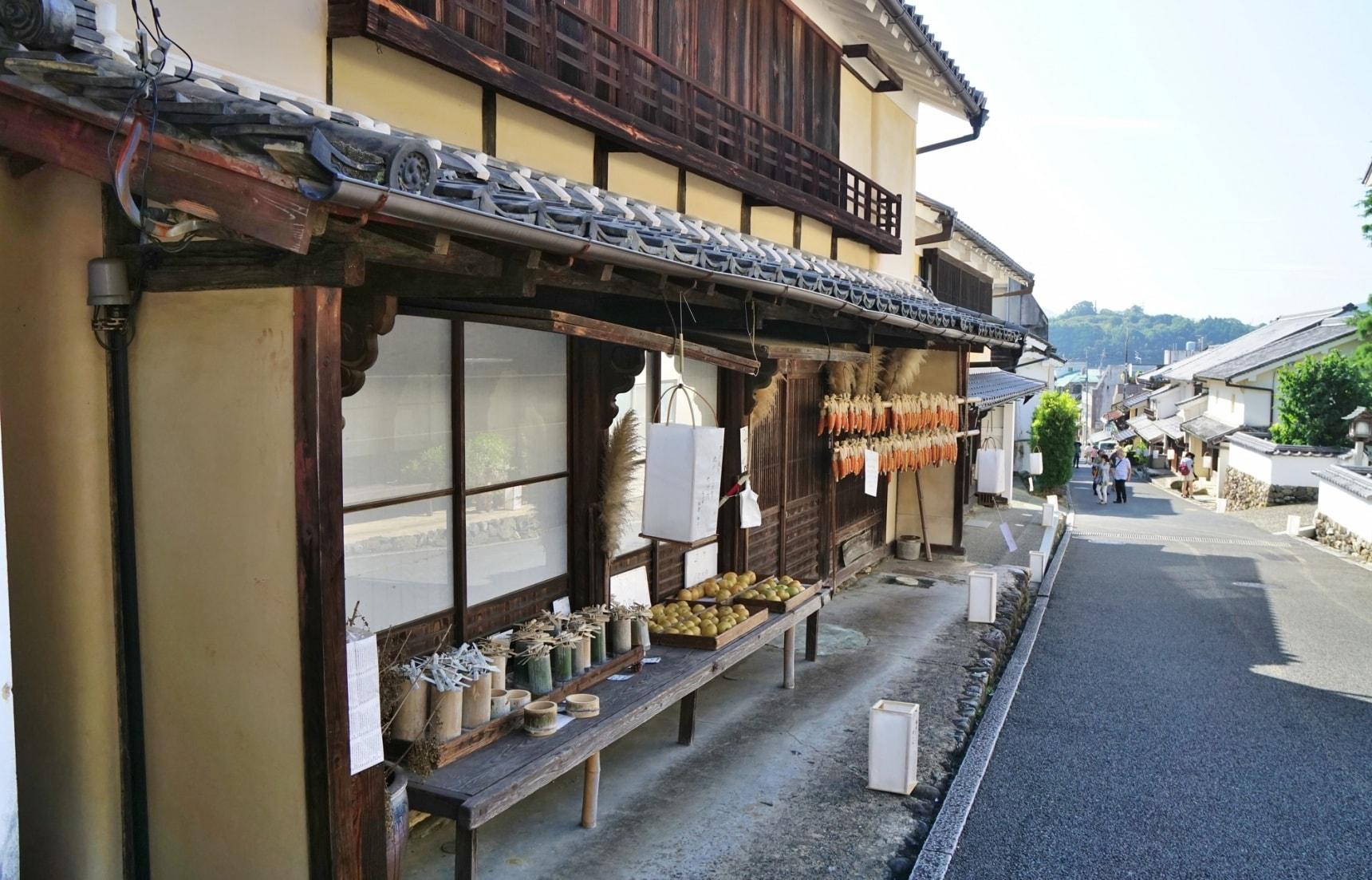 漫步木蠟與白壁之鄉・愛媛「内子」,下榻結合在地文化特色的質感旅宿
