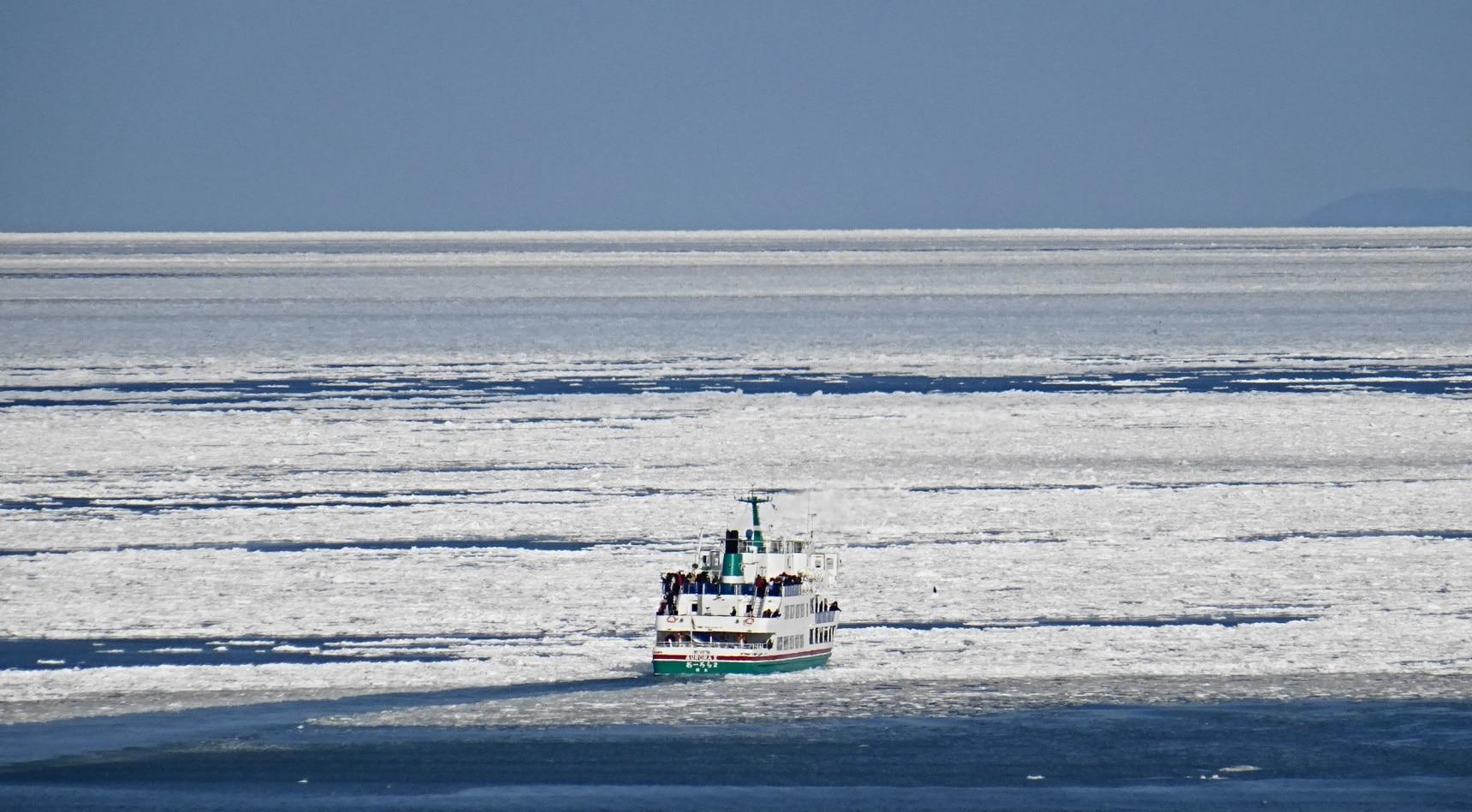 สัมผัสบรรยากาศล่องเรือบนธารน้ำแข็งที่ฮอกไกโด