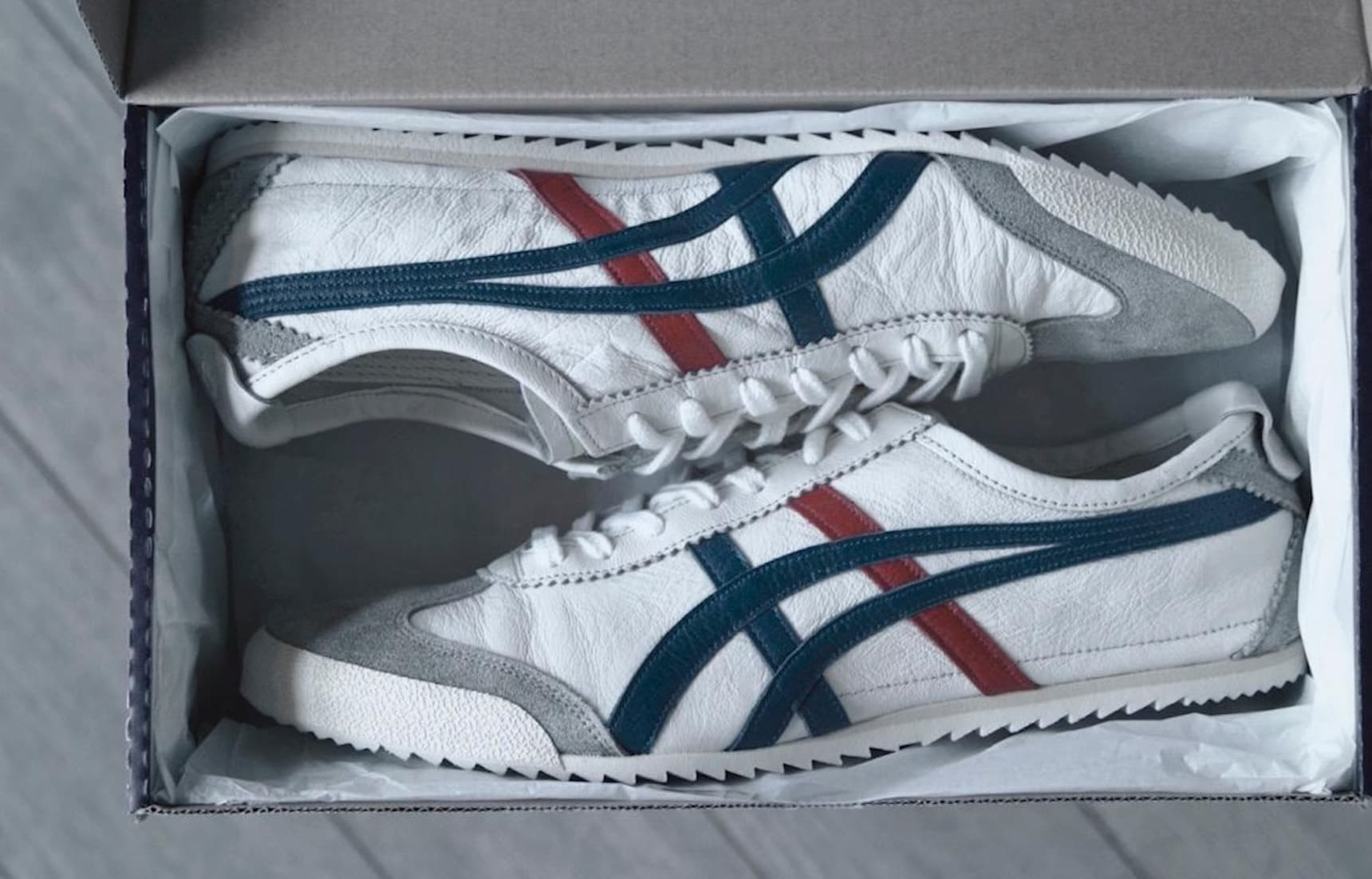 Onitsuka Tiger: Shoes Running Around the World