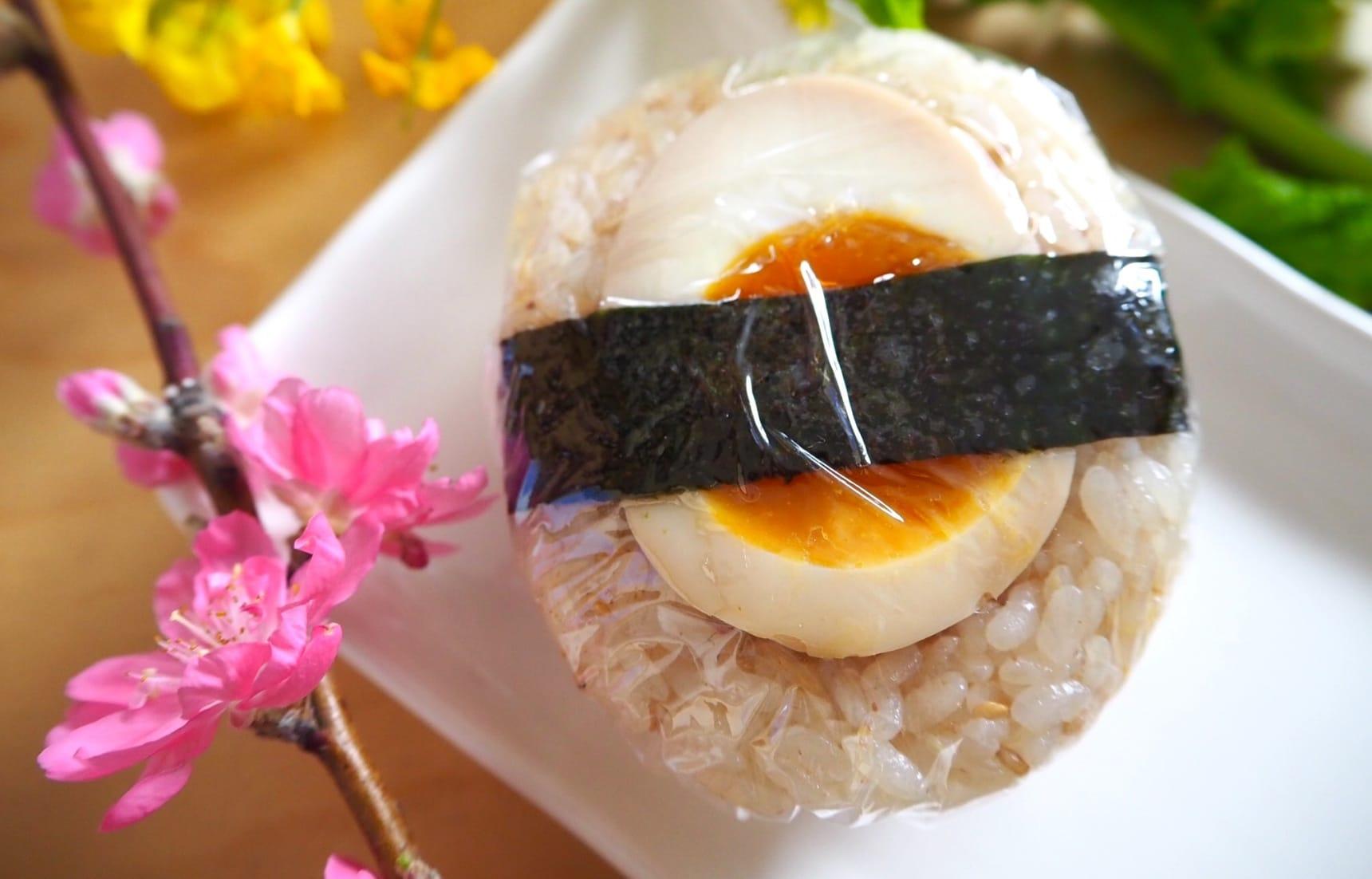 สูตรข้าวปั้นไข่ต้มยางมะตูมดองโชยุ ครบขั้นตอน