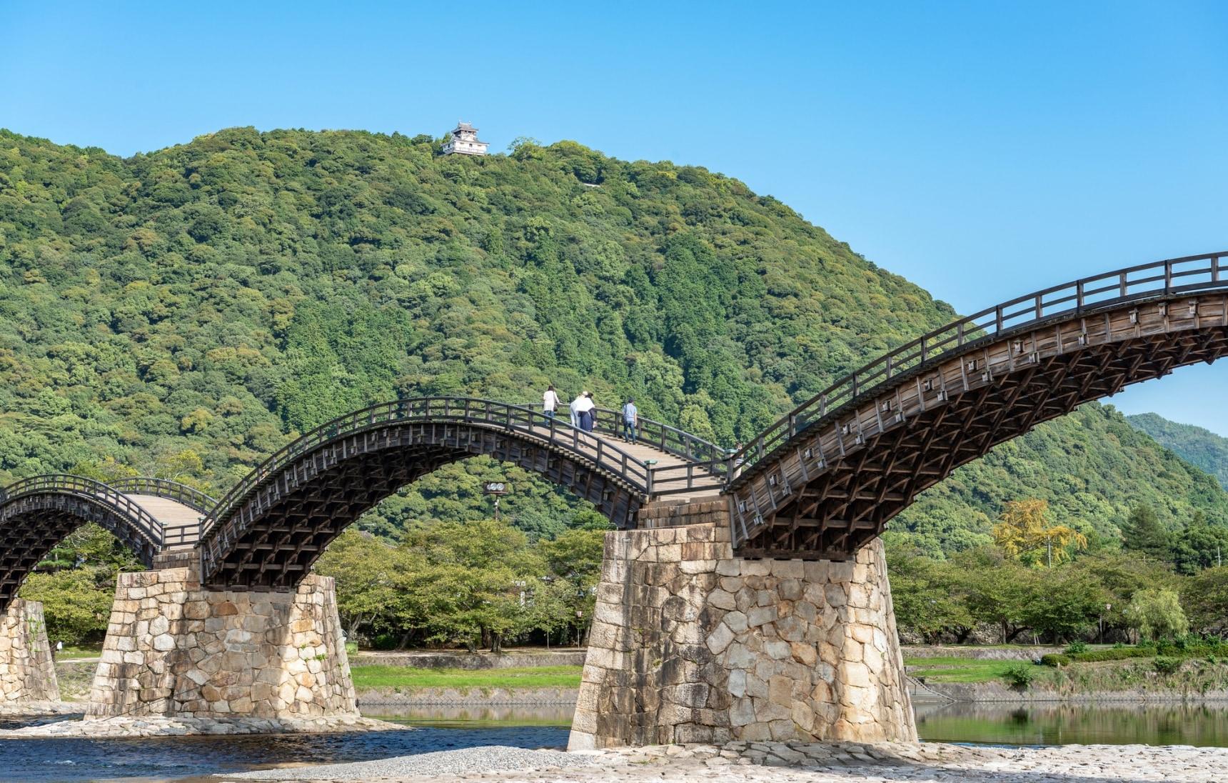 สู่คินไตเคียว ชมสะพานไม้โบราณ ปราสาทอิวาคุนิ