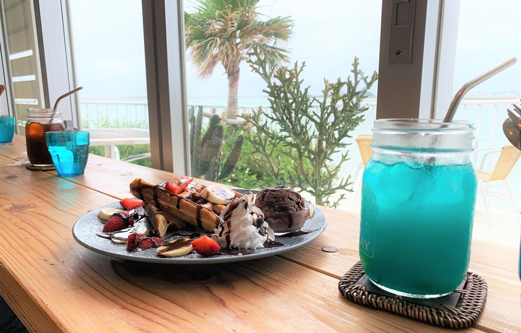 【沖繩自由行】神之島上的夏威夷!到「瀨長島Umikaji Terrace」來個悠閒的下午茶