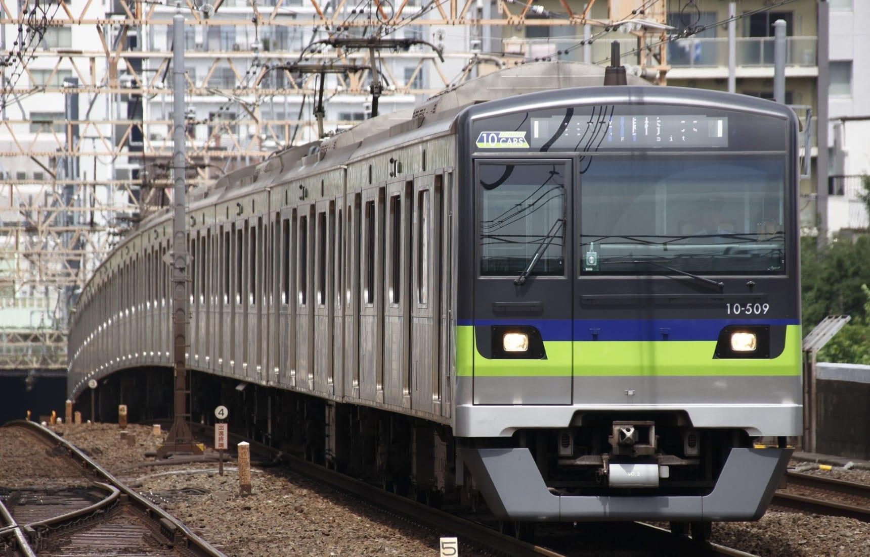 ลุยที่เที่ยวติดรถไฟสาย Toei Shinjuku Line