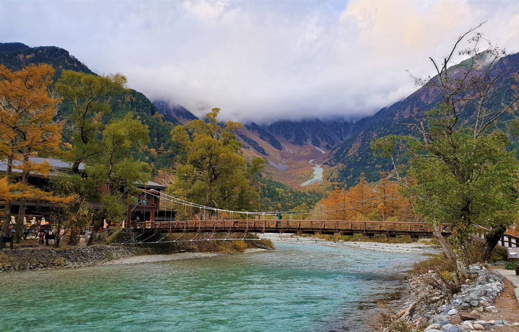沿著北阿爾卑斯與日本「山城」來場浪漫邂逅