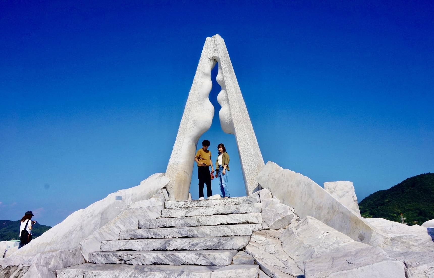 戀上希臘風大理石國度 廣島深度藝術秘境「未來心之丘」