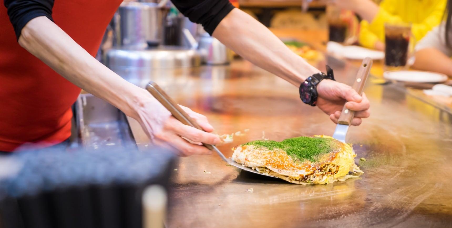 【美食自己做】到廣島車站北口的OKOSTA體驗超美味的正統廣島燒