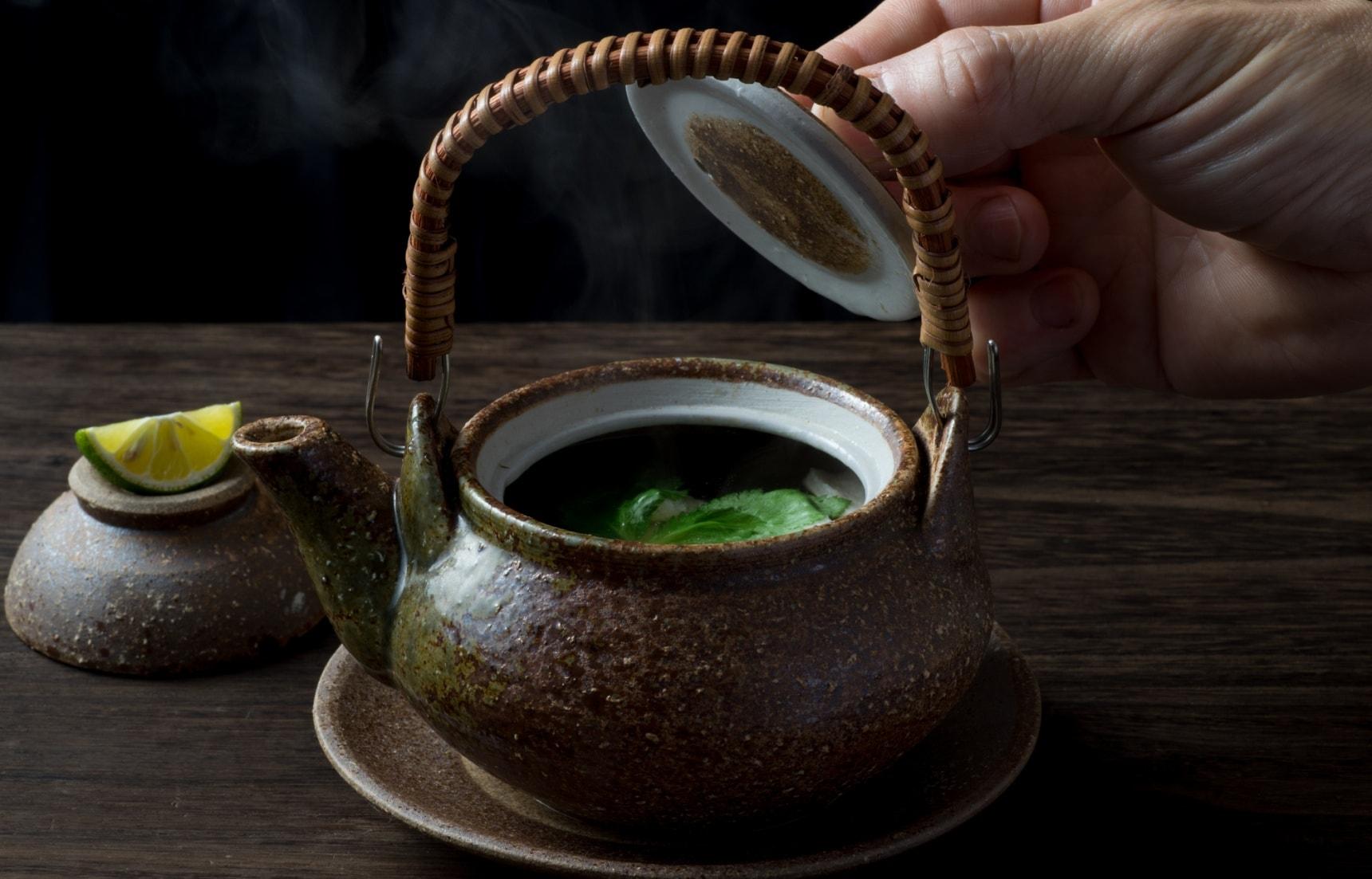 是鍋還是茶壺?打開日本美食「土瓶蒸」的箇中秘密