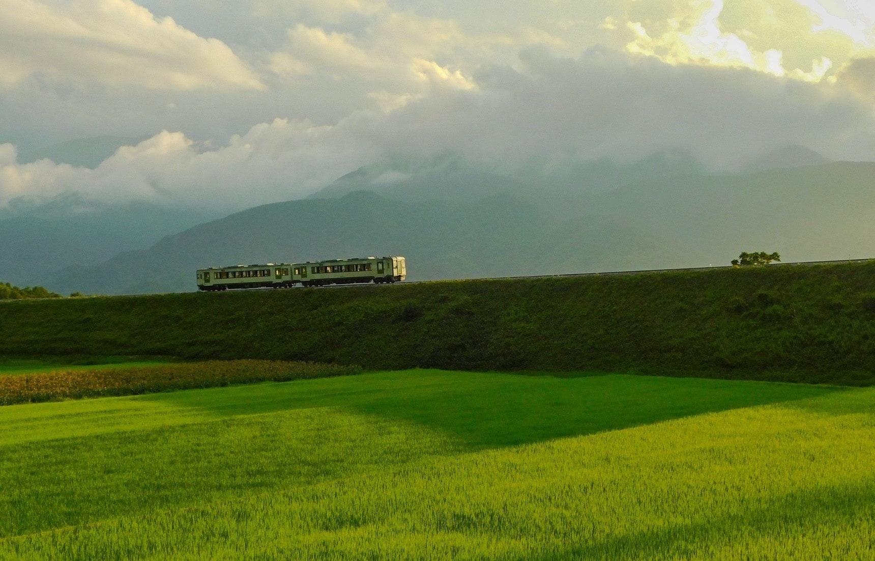 日本山梨:离天空最近——八岳高原列车小海线之旅
