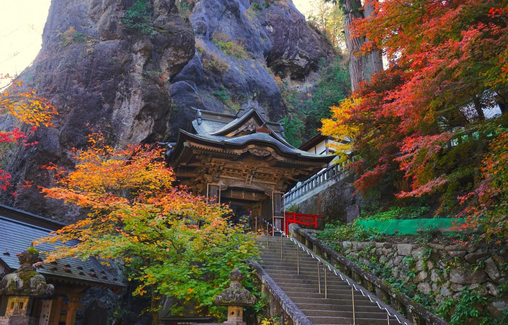 【日本群馬】什麼!這裡曾經是個寺廟?「神佛合一」的榛名神社