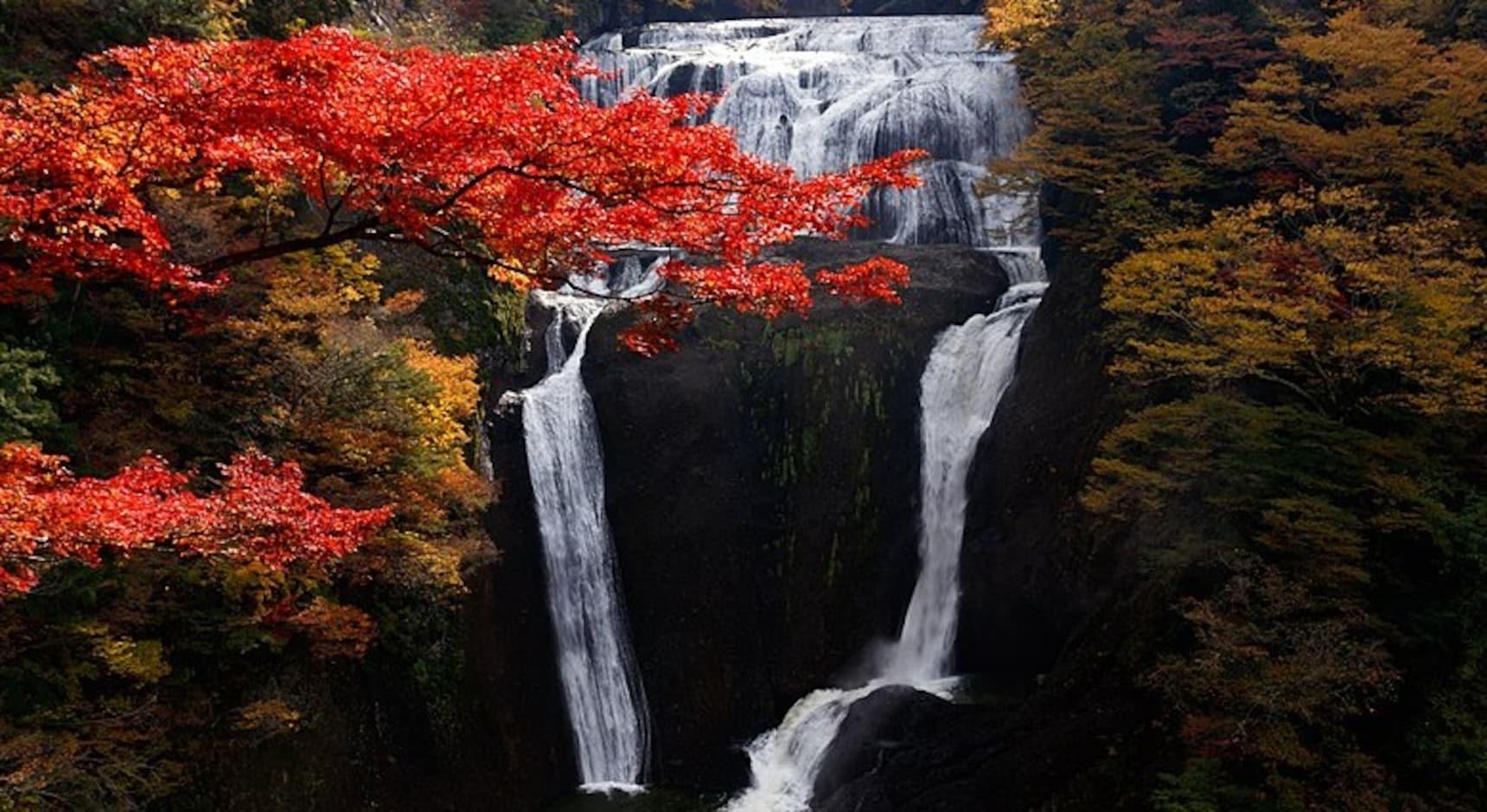 10 Best Waterfalls in Japan
