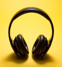 ワイヤレスで快適!Bluetoothヘッドホンのおすすめ10選 - PICUP(ピカップ)