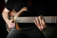 多弦をお探しの方は選択肢に入れてほしい、アイバニーズ「BTB」シリーズの評判とおすすめモデル6選 - PICUP(ピカップ)