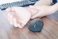 疲れないマウスが欲しい人は人間工学デザインを!おすすめ7選 - Best One(ベストワン)