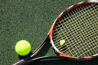 テニスの振動止めおすすめ人気ランキング10選|効果的な付け方を知ろう - Best One(ベストワン)