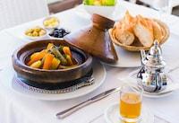 タジン鍋のおすすめランキング12選|レンジ・IH対応も!蒸し野菜など人気料理のレシピも紹介 - Best One(ベストワン)