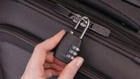 スーツケース用の鍵おすすめランキング11選|TSAロックとは?ベルト・南京錠・ワイヤーロックを紹介! - Best One(ベストワン)