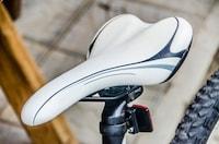 【2020最新版】ロードバイク用サドルおすすめ13選|高さや角度の調整方法も紹介! - Best One(ベストワン)