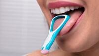 舌ブラシおすすめ人気ランキング10選|効果と使い方をマスターして口臭対策を!舌苔の原因と必要なケアとは?