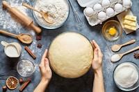 ケーキ型のおすすめ人気ランキング11選|クッキングシートの敷き方もご紹介!サイズや種類に合わせて!