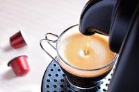 カプセル式コーヒーメーカーおすすめランキング14選|おしゃれで人気な種類は?紅茶やラテが作れるものも! - Best One(ベストワン)