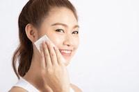 保湿化粧水のおすすめ人気ランキング14選|30代、40代、50代の気になる肌対策に!人気のプチプラ商品や敏感肌用、メンズ向けも注目! - Best One(ベストワン)