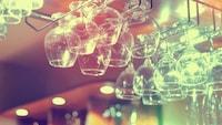 ワイングラスホルダーのおすすめ15選 おしゃれな木製や壁付け、スタンドタイプも人気! - Best One(ベストワン)
