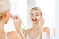 【2020】美白化粧水ランキング25選と効果的な使い方|プチプラ品や敏感肌向けも紹介!専科や無印、ちふれが人気 - Best One(ベストワン)