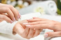 爪やすりのおすすめ人気ランキング15選と使い方|ガラス製や金属製など、素材の種類をチェック!電動でのネイルケアも◎ - Best One(ベストワン)