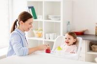 赤ちゃん用のお食事エプロンおすすめ人気ランキング12選|スタイとスモッグの違いは?シリコンから使い捨てまで