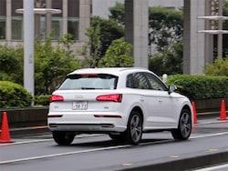 オプションでダンパーコントロールと車高調整機能を備えたアダプティブエアサスペンションを装備