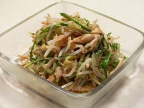 ピリ辛キムチが人気! もやしとささみの韓国風サラダ