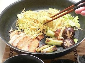 簡単!充実ひとりめし 焼きそばつけ麺のレシピ