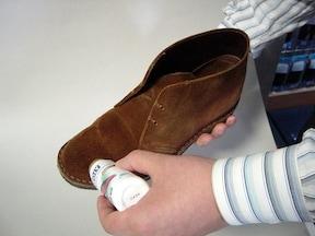 起毛系革靴の手入れ