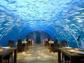 水中にあるレストラン/モルディブ