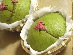 しっとりもっちり「抹茶と桜の蒸しケーキ」
