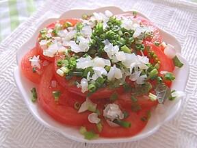 薬味たっぷりのトマトサラダ