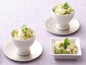 豆腐とアボカドのナンプラー和え