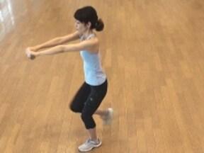 二の腕、お腹、下半身を鍛え上げる「ダンベル二ータッチ」