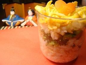 初節句の赤ちゃんに。「ひな祭りカップ寿司」