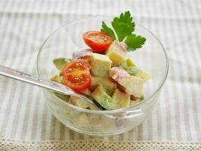 アボカドのおいしさを存分に楽しめます!アボカドとタコの和風サラダ