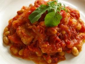 缶詰と豚のロース肉で時短「大豆と豚肉のトマト煮込み」