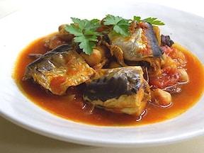 時短!圧力鍋で骨までやわらかい「いわしのトマト煮」人気レシピ