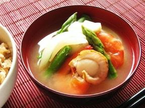 えびとホタテの海鮮洋風味噌汁