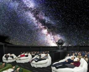 """池袋で、""""満天""""の銀河を!星の数は約40万個【東京】"""