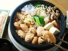 相性抜群!味噌風味の「甘塩鮭のつみれ鍋」レシピ