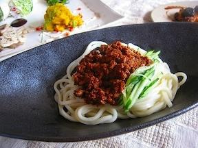 ダイエット中でも満足感たっぷりの「ジャージャー麺」レシピ