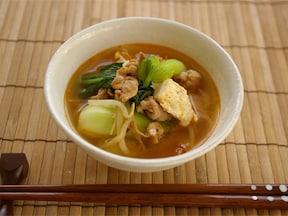 身体が芯からポカポカ、ピリ辛・豆腐の味噌汁