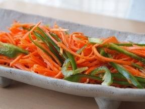 ピーマン・にんじんの簡単・お手軽サラダのレシピ