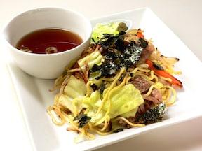 麺も野菜も肉もおいしい! 焼きそばつけ麺